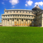 Monumentos na Praça da Torre de Pisa